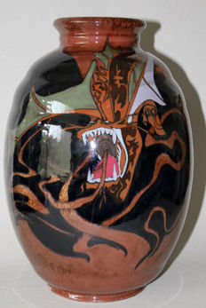Holland Utrecht - Polychrome earthenware vase with a decor of dragons