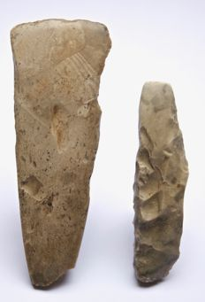 2 Neolithic flint axes from Denmark, 134 and 100 mm