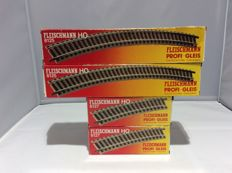 Fleischmann HO-curved rails in two sizes, a total of 40 pieces (2415)