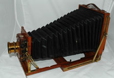 Kemp & Co. mahogany field camera KC No.3 Half Plate, triple extension, 13 x 18