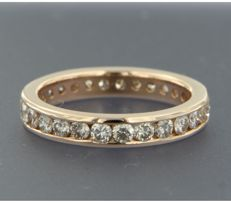 *****NO RESERVE PRICE***** 14 kt rose gold full eternity ring set with 27 brilliant cut diamonds in a channel setting, approx. 2.00 carat in total
