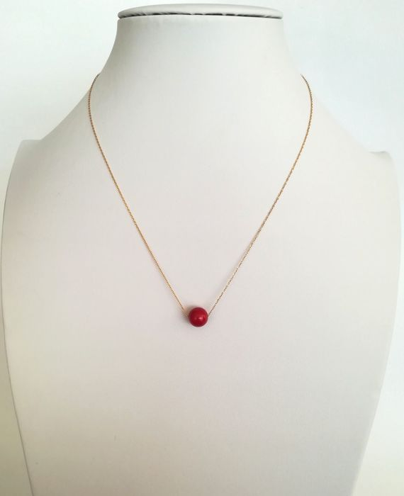 19.2 kt – Gold necklace with coral gemstone