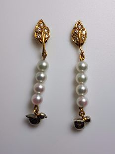 Yellow gold earrings with diamonds for 0.13 ct and cultured Japanese pearls for 3.50 mm