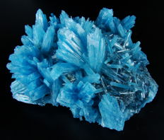 Large blue Apatite Crystals, laboratory-grown - 12.0 x 10,5 x 4,5 cm - 343 gm