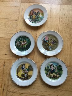 Louis Marx & Co - 5 small plates - Toy cookery - Snow White and the Seven Dwarfs (1950's)