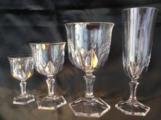 Cristal d'Arques, 'Chaumont' 48-piece crystal crockery, clear cut crystal: champagne glasses, wine glasses, water glasses, liqueur glasses