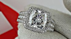 4.93 ct E/SI1 cushion diamond ring made of 18 kt white gold - size 6.5