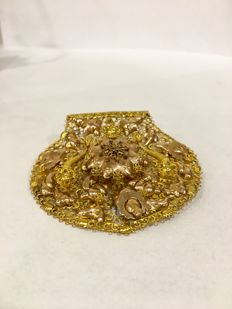Yellow gold 14 kt brooch antique filigree made of the book of Frisian folks costume cap ca. 1870