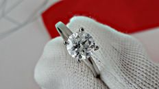 1.12 ct  round diamond ring made of 14 kt white gold - size 5
