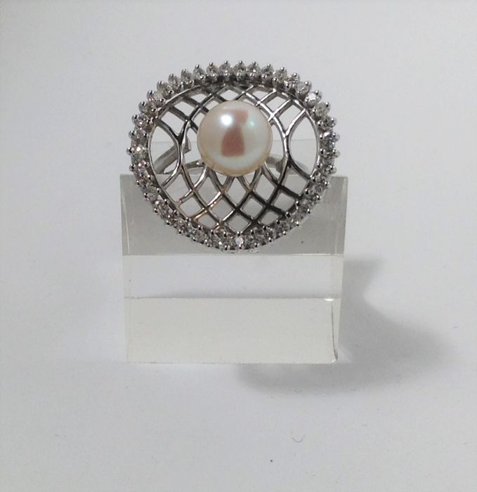 18 kt white gold ring - cultured pearl - diamonds for 0.68 ct