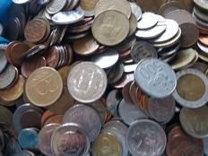 World - Lot of coins, over 8 kg