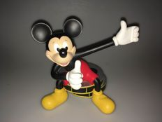 Disney - Statuette - Mickey Mouse sitting on a film roll - by Peter Mook