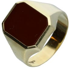 14 kt yellow gold signet ring set with carnelian. - Ring size: 20.5 mm