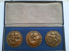 Pieter Starreveld - Set of three bronze medals: liberation medals