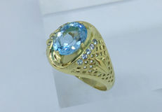 Swiss Topaz 3.45cts & Aquamarines 14kt Solid Gold Ring, Size 22 EU, No Reserve