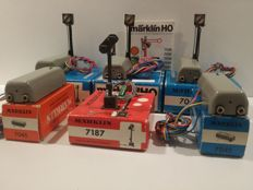 Märklin H0 - 7042/7045/7187 - 3 Track block signals, 2 Switching relays, 1 Light distant signal and 1 booklet