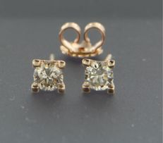 ****NO RESERVE PRICE**** 14 kt rose gold solitaire ear studs set with brilliant cut diamond, approx. 0.60 ct in total