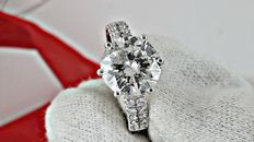 3.16 ct round diamond ring in 14 kt white gold - size 7
