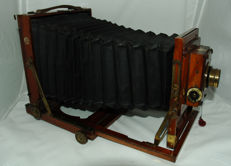 Thornton-Pickard College Half Plate 13 x 18 mahogany filed camera