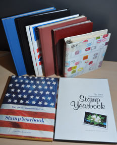 USA - Batch with i.a. Year books 2003/2004, classic, numbers, cancellations and more, in stock books and binders