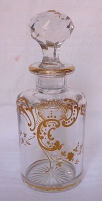 Large Baccarat crystal perfume bottle, Louis XV model, enhanced with fine gold - France, early 20th century