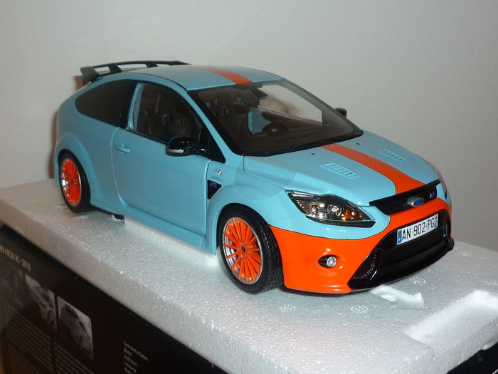 Minichamps - Scale 1/18 - Ford Focus RS 2010 Le Mans Gulf - Limited Edition 900 pieces