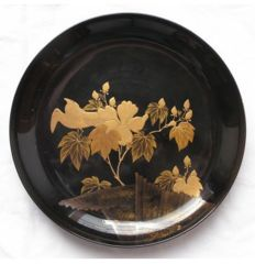 Lacquer plate with bird and floral decoration - Japan - Late 19th century