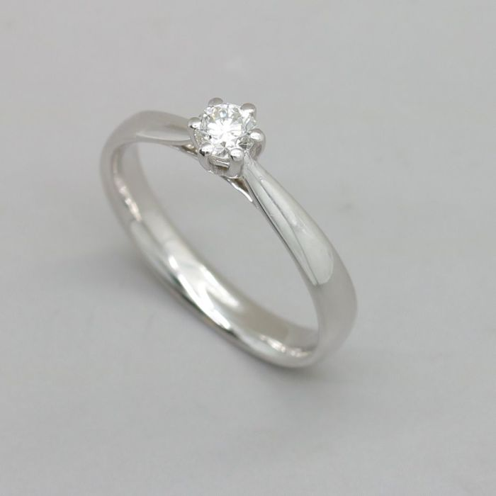 White gold ring with a 0.25 ct brilliant cut F (fine white) / SI2 diamond - No reserve price - resized free of charge