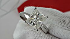 3.02 ct  SI1  princess diamond ring made of 14 kt white gold - size 7