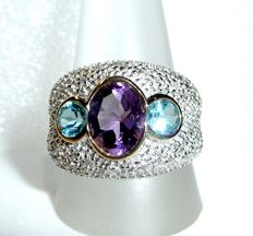 Wide ring 14 kt / 585 gold with 0.70 ct pavé set diamonds + amethyst and blue topaz, ring size 65 / 20.5 mm