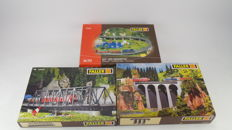 Faller Scenery H0 - 120560/120488/120470 - 3 building kits with two bridges and on- and off-ramps for amongst others C-Rails and model rails