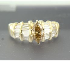 18 kt yellow gold ring with central 1.10 ct diamond and white diamonds 0.40 ct, ring size 16.5 (52)