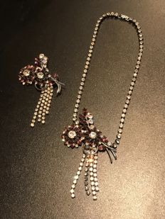 Very rare Art Deco massive paste diamond set brooch and necklace