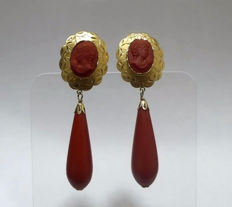 18 kt gold mounted earrings (with hallmark) cut cameo and coral tear drop
