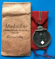 Medal - Winter Battle in the East 1941/42 with bestowal bag