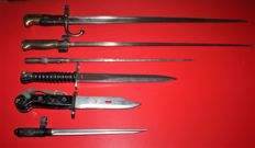 Lot of 6 bayonets, m 57 sig, Switzerland, SKS China, 1 x AKM I France 3: Grass, lebel and Mas M 1936 in good condition,