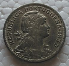 Portugal Republic – 50 Centavos – 1935 – Alpaca – Scarce