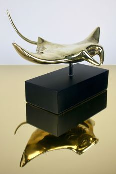 Beautiful replica Stingray, in Bronze, with custom stand - 32.5 x 29 x 24cm
