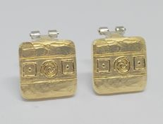 18 kt yellow gold earrings - Length: 1.5 cm - Egyptian symbols