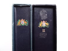 Australia and Australian Antarctica 1937/1989 - Collection in 2 Davo preprint albums with cases
