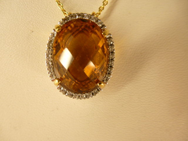 18 kt gold necklace and pendant with topaz - Necklace length: 44 cm