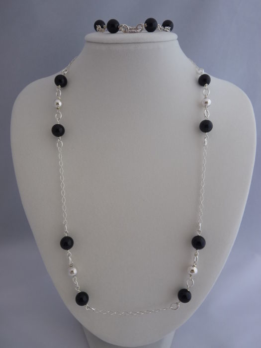 Ladies 925 Silver necklace and bracelet with Onyx