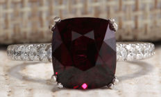 4.90 Carat Rhodolite Garnet And Diamond Ring In 14K Solid White Gold Ring - Ring Size: 7 * Free Shipping *** No Reserve *** Free Resizing ***