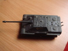 Tank 1/50 Solido Jagdpanther n ° 228 very good condition length 19 cm width 7 cm metal