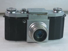 PRAKTICA original model from 1949, 35mm SLR with M39 screw mount, zeiss tessar lens.