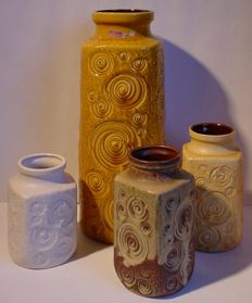 Lot with four vases by Scheurig West Germany, decor JURA/FOSSIL
