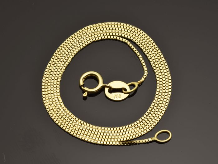 "18k Gold Necklace. Chain ""Box"" - 45 cm"