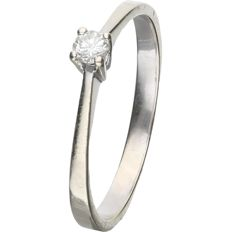 14 kt. - White gold solitaire ring set with a round brilliant cut diamond of 0.07 ct. - Ring size: 16.25 mm