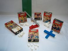 Lego System no. 231 + 216 + 218 + 219 + 220 + 221 -  Esso Pompstation + loose bricks + fire engine and base plate