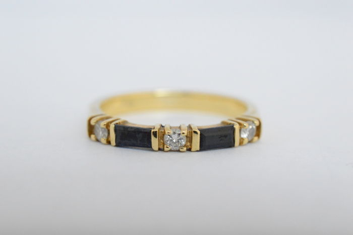 Yellow gold ring with sapphires and diamonds | no minimum price